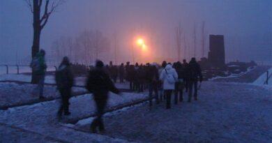 Giornata della memoria: in Toscana un treno 'virtuale' porterà il 27 gennaio i giovani toscani ad Auschwitz