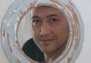 """Il personaggio del mese di marzo 2021: il cetonese Franco Cicerchia, artista-ceramista, figlio d'arte . Il padre Pippo è stato il fondatore della bottega artigiana di ceramiche. Franco è riuscito a far convivere la sua anima artistica con quella artigianale nella realizzazione delle sue opere. Si augura che Cetona diventi un borgo di Accoglienza Diffusa ."""" E magari – dice – riuscire a realizzare 'un contest sull'Arte """"open air"""" nei vicoli del Borgo utilizzando tutti i fondi vuoti disponibili""""."""