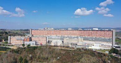 Siena: i pazienti ricoverati in area Covid alle Scotte sono 20. Più di 48 mila 500 le vaccinazioni effettuate
