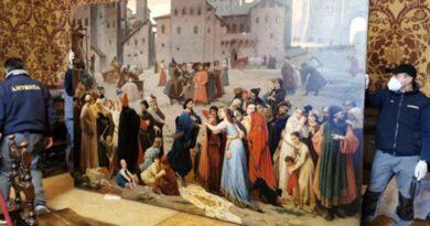 """Siena : il """"Provenzan Salvani"""" di Amos Cassioli da oggi esposto nella sala del Mappamondo di Palazzo Pubblico"""
