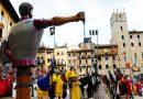 Arezzo : Covid; rinviata l'edizione di giugno della Giostra del Saracino: La Consulta dei Quartieri si è riservata di valutare nelle prossime settimane l'eventualità di un recupero dell'edizione nel corso dell'estate e di decidere in merito all'edizione di settembre.