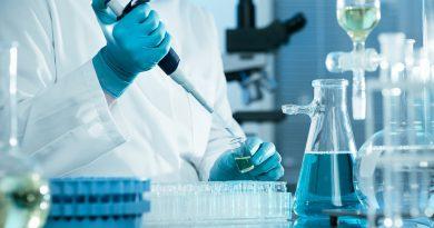 Siena: Toscana Life Sciences Sviluppo annuncia l'avvio della sperimentazione clinica per la cura a base di anticorpi monoclonali . I test di fase I coinvolgeranno 30 volontari sani mentre nelle fasi successive la sperimentazione riguarderà qualche centinaio di pazienti con infezione da coronavirus SARS-CoV-2