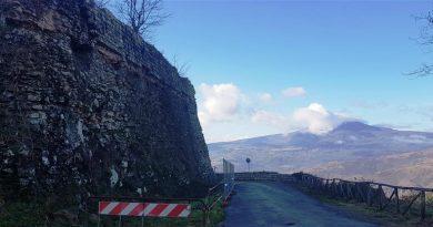Radicofani: grazie a un contributo della Regione di circa 100 mila euro è cominciato il restauro delle mura di Castel Morro, il borgo scomparso